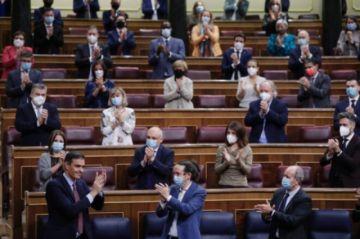 Sánchez consigue aprobar por primera vez sus presupuestos en España