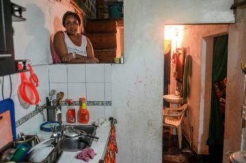 La pandemia replegó al hogar a las mujeres desempleadas en Colombia