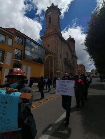 Mineros de Andacaba marchan por salarios retrasados desde hace 9 meses