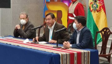 """Luis Arce celebra hallazgo de """"mega campo"""" en Chuquisaca"""