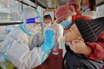 """Un equipo de la OMS explorará """"todas las pistas"""" del coronavirus en China"""
