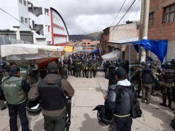 Vigilia de masistas impide ingreso al tribunal electoral en Potosí