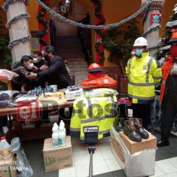 La alcaldía entregó material de trabajo para las brigadas de emergencia pluvial
