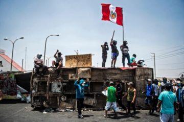 Gobierno de Perú inicia diálogo con trabajadores rurales tras desbloqueo de rutas