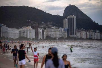Grupo clínico brasileño negocia compra de 5 millones de vacunas indias contra el covid