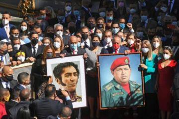 "Chavismo instala nuevo Parlamento en Venezuela con promesa de ""exorcizar"" era Guaidó"