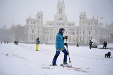 Una tormenta de nieve siembra el caos en España y deja al menos tres muertos