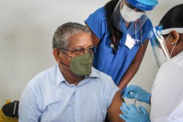 Comienza campaña de vacunación en Seychelles, primera en África