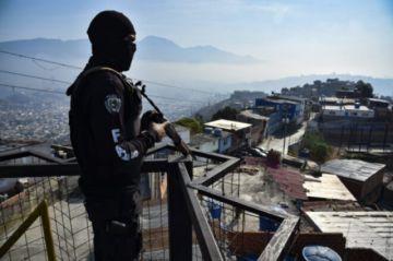 """Activistas denuncian """"masacre"""" con 23 muertos en operación policial contra delincuencia en Caracas"""