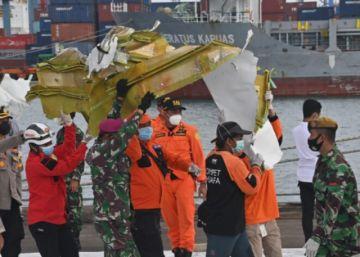 La tripulación del avión estrellado en Indonesia no declaró la emergencia