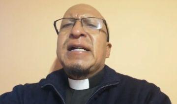 El padre Miguel Albino habla de la parálisis interior
