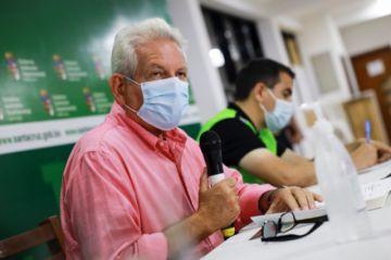 Gobernador cruceño garantiza contratación de personal de salud