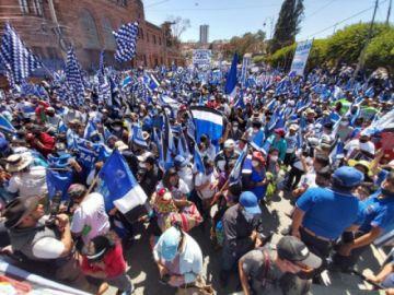 El MAS suspende eventos masivos de campaña por el covid-19
