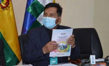 """Ministro Quelca señala que colegios particulares deben """"adecuar"""" contrato con padres de familia"""