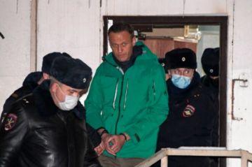 El Kremlin rechaza pedidos para liberar a Navalni y advierte contra manifestaciones