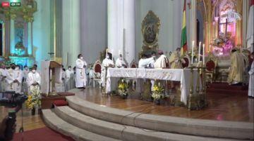 Vea la ceremonia de posesión del nuevo obispo de Potosí Renán Aguilera