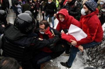 Reportan  2.500 detenidos en Rusia en las protestas en apoyo a Navalni