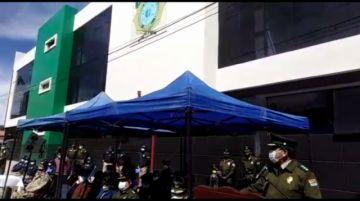 Gobernación entrega nuevo edificio a la Policía Departamental en Potosí