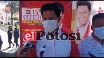 Candidato a gobernador de Potosí continúa con campaña