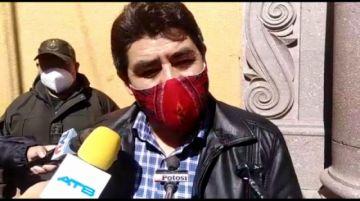 Omar Veliz no fue informado que la Asamblea Legislativa Departamental eligió un nuevo gobernador