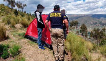 Una pareja de adolescentes se escapó de casa y se fue a vivir en un cerro en La Paz