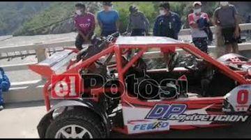 Una treintena de pilotos participaron de competencia de automovilismo