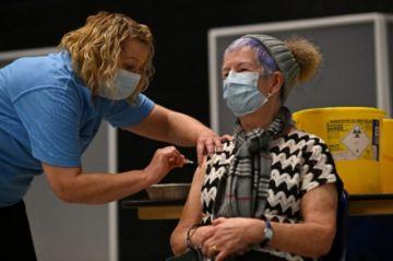 La edad, otro factor de discordia en Europa sobre la vacuna de AstraZeneca