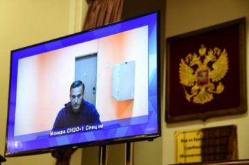 Fiscalía rusa quiere que el opositor Navalni sea encarcelado largo tiempo