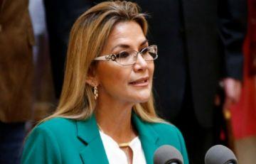 Jeanine Añez dice que vacunas del Covax fue gestión de su gobierno ante la OMS