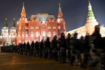 """El Kremlin defiende su """"firmeza"""" ante los manifestantes pro-Navalni"""
