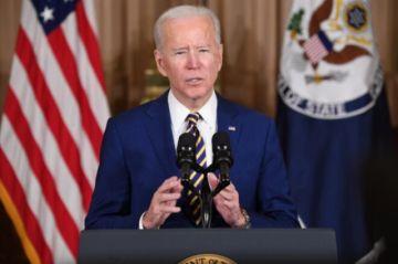 """Biden dice que EEUU no va a """"someterse"""" más a Rusia"""
