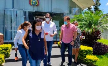 Comité Pro Santa Cruz intercede por los jóvenes procesados por retirar la Wiphala