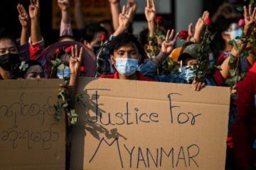 Decenas de miles de manifestantes protestan en Birmania contra el golpe de Estado