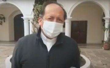 Monseñor Centellas: 'Llegan unas cuantas vacunas a Bolivia y sirve para la propaganda, eso está mal'