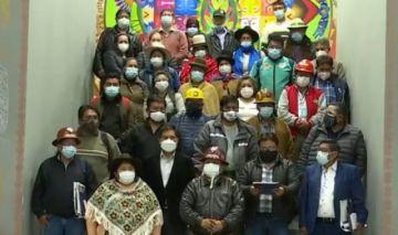 Sectores sociales afines al MAS dan 24 horas para promulgar Ley de Emergencia Sanitaria