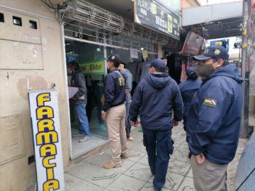 La Paz: Arrestan a siete funcionarios de farmacias que atendían sin título profesional