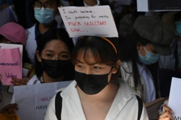 Los birmanos salen de nuevo a la calle y la junta detiene a cientos