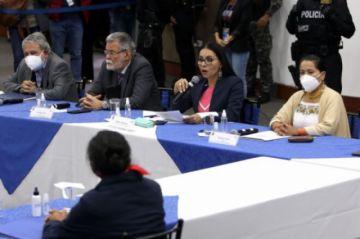Ecuador hará un recuento parcial de votos tras denuncia de fraude
