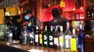 Alcaldía de La Paz decomisa casi un millar de bebidas alcohólicas en controles por Carnaval