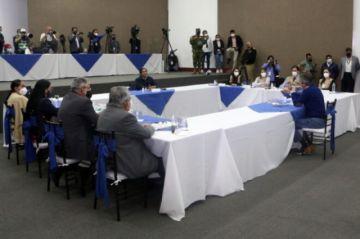 Ecuador hará el recuento de seis millones de votos de elección presidencial