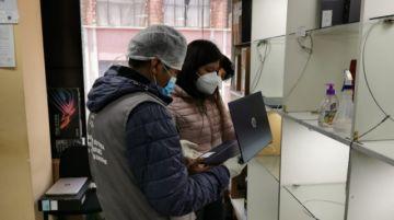 Operativo a la venta de computadoras en La Paz termina con dos aprehendidos