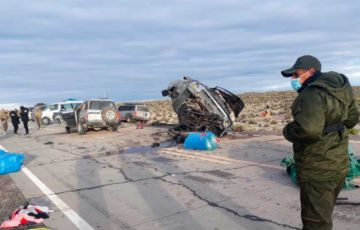 Oruro: Colisión entre una camioneta y vehículo de la Aduana deja dos fallecidos