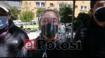 Familiares de fallecidos por la covid dan ultimátum al alcalde de Potosí