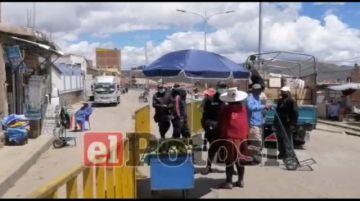 Comerciantes ambulantes chocan con efectivos de la Intendencia