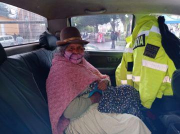 Policía encuentra a señora que no recuerda su domicilio ni su nombre