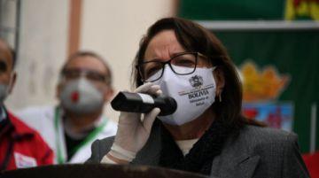Confirman imputación a exministra de Salud Roca por compra de respiradores chinos