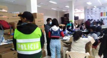 Verifican papeletas para las elecciones subnacionales en Potosí