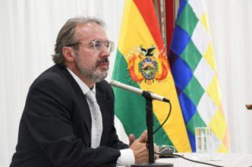 """Gobierno niega """"vacunación clandestina"""" contra el COVID-19"""