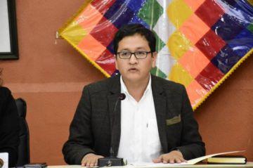 Viceministro Terrazas denuncia presiones internas para que trabajadores de salud acaten el paro