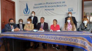 """Diplomáticos despedidos anuncian demanda contra Mayta y denuncian """"hostigamiento"""""""